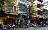 electrical jungle on Pho Hang Bac, Hanoi Old Quarter, Hanoi, Vietnam