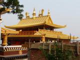 Monastère tibétain en montagne...