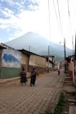 Camino Hacia el Cementerio Local y al Volcan De Agua