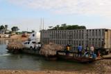 Ferry Para Vehiculos Sobre el Rio La Pasion