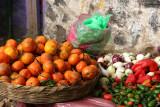 Venta de Fruta y Verdura en el Mercado Local