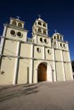 Iglesia a las Afueras de la Zona Urbana