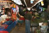 Interior del Mercado Local