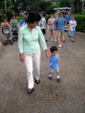 Caminado con la abuela
