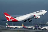 QANTAS AIRBUS A330 200 SYD RF IMG_4031.jpg