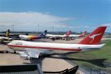 QANTAS BOEING 747 200 SYD RF 175 30.jpg