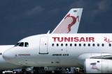 TUNIS AIR AIRBUS A320 MUC RF V100F.jpg