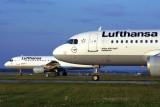 LUFTHANSA AIRBUS A320S MUC RF 1554 12