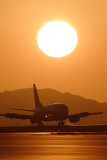 SUNSET LANDING BOEING 737 300 KIX RF IMG_5405.jpg