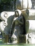 fountain, Parque Central, Antigua (p: qarrtsiluni)
