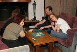 Partie de Scrabble lors d'une soirée au chalet La Colombe