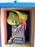 Eat velvet popcorn