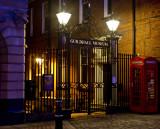 Gulidhall Gates at Night_1196.jpg