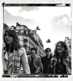Girls ´n boys and the sky above Paris...