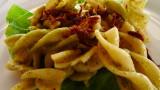 pasta al pesto with crispy tuna bits