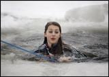 Clara is having a very cold experience in Lake Växjösjön