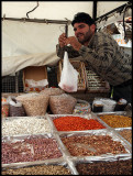 Weight of nuts in Bloudan