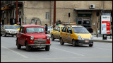 Traffic in Aleppo (do you know the mark of this car?)