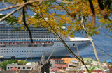 14 1184 Looming cruise ship