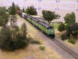 BN unit grain train bisects Iona