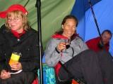Glada miner trots kraftigt regn & blåst.. Ska skyddet hålla???