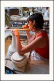 Manufacture de SèvresUne tournasseuse sachant tournasser doit savoir tournasser sans cesse ses tasses.