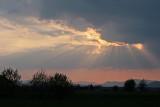 et soudain le ciel s'assombrit...