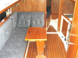 settee & dinette to port