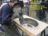 Lavorazione su misura dell'acciaio inox per l'arredamento