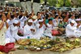 Balinese at Balikpapan celebrating Melasti at 2008