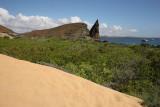 Trail between two beachs, Bartolomé Island