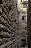 Al-Turba, stone houses