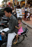 Close to daddy, Siem Reap
