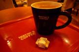 Wayne's coffee is popular 韋恩咖啡頗流行