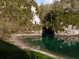 Lago de aguas color esmeralda