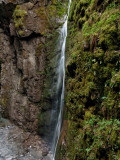 Continuas caídas de agua