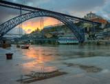 Ponte Luiz I e bascer do sol com chuva