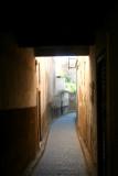 A narrow passageway in the medina in Fès.