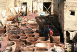 Liquid dyes such as antimony for black, indigo for blue, poppies for red and saffron for yellow are used in the Fès tannery.