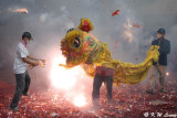Bombing the Dancing Lion (炸獅子)