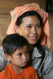 Jeune birmane et son fils