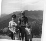 Family pic Red River N Mexico June 1962.jpg