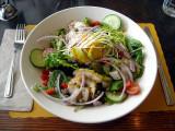 Salade d'anguilles fumées