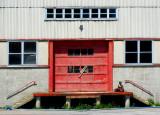 La porte de garage rouge