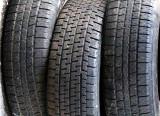 les trois pneus