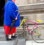 le vélo de la dame en bleu