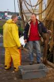 Albert Hoekman en Klaas Post vangen bot in Stellendam