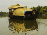 Houseboat reflected.jpg