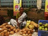 Coconut lady Trivandrum.jpg