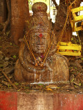 Statue in temple Madurai.jpg